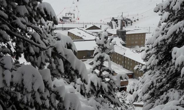 Vallter i Núria tanquen les estacions de manera preventiva per motius meteorològics