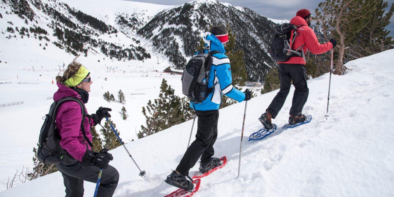 Vols fer un bateig de raquetes de neu, una excursió matinal o nocturna a Vallter?