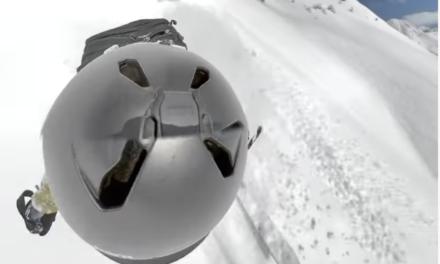 La GoPro d'un esquiador enregistra com l'engoleix una allau