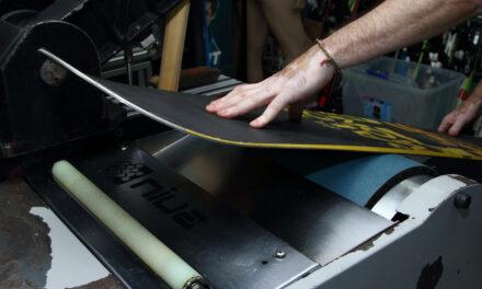 Posem la taula d'snowboard a punt