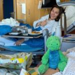 Kajsa Vickhoff Lie i Rosina Schneeberger tornen a somriure després de les greus caigudes de Val di Fassa